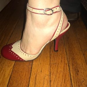 Chinese Laundry red and cream saddle shoe heels